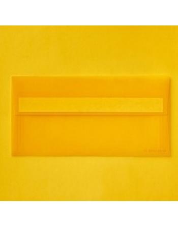 Amarillo sobre translúcido...